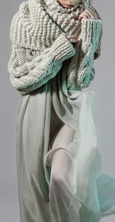 ♔ In Contemporary Fashion, warm and heavy textured wool tops winters etherial mists to clothe a Queen ❤️