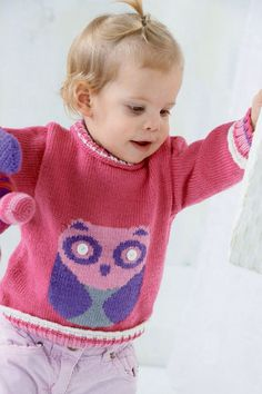 We've got of free knitting patterns to inspire you: from blanket knitting patterns to cardigans, hats, scarves and adorable free baby knitting patterns! Baby Knitting Patterns, Free Baby Patterns, Baby Sweater Knitting Pattern, Christmas Knitting Patterns, Knitting For Kids, Free Knitting, Crochet Patterns, Free Pattern, Baby Cardigan