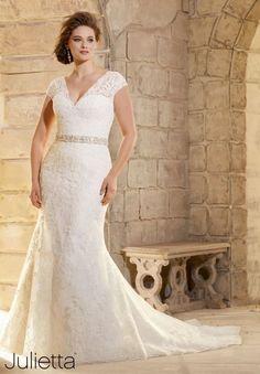 Robes de mariée 2016 pour femmes rondes : Mettez en valeur vos courbes avec style Image: 7