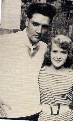 rare: Elvis photos
