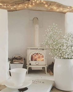 30 Best Wood Stove Decor Ideas For Your Living Room – Homely Cottage Living Rooms, Home And Living, Small Living, Country Cottage Living Room, Country Cottage Interiors, White Interiors, White Cottage, Wood Stove Decor, Muebles Shabby Chic