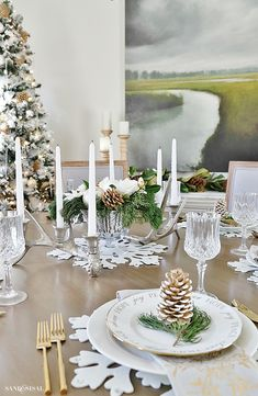 Rustic Glam Christmas Dining Room - Sand and Sisal Christmas Table Settings, Christmas Table Decorations, Decoration Table, Holiday Decor, Christmas Tables, Holiday Tables, Christmas Decor, Rustic Colors, Rustic Decor