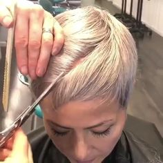Today we have the most stylish 86 Cute Short Pixie Haircuts. Pixie haircut, of course, offers a lot of options for the hair of the ladies'… Continue Reading → Thin Hair Haircuts, Medium Bob Hairstyles, Short Pixie Haircuts, Pixie Hairstyles, Short Hairstyles For Women, Asymmetrical Pixie Haircut, Edgy Short Hair, Super Short Hair, Short Hair Cuts