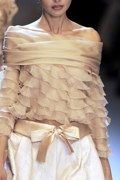 .ruffled and off shoulder great for boomers
