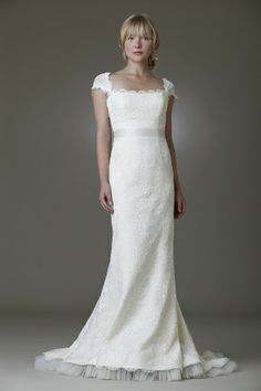 Sweep Train Trumpet/Mermaid Square Ivory Lace Bow Wedding Dress at Millybridal.com