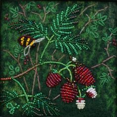 Large photo of Raspberry Jo Wood bead art on felt. Powwow Beadwork, Indian Beadwork, Native Beadwork, Beaded Flowers Patterns, Beaded Jewelry Patterns, Beading Patterns, Bead Embroidery Jewelry, Beaded Embroidery, Beads Pictures