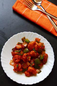 chilli gobi - tasty and easy to make snack recipe with cauliflower. http://vegetarianindianrecipes.com/chilli-gobi-recipe/ #indianfood #ood #recipes #vegetarian #snack #cauliflower