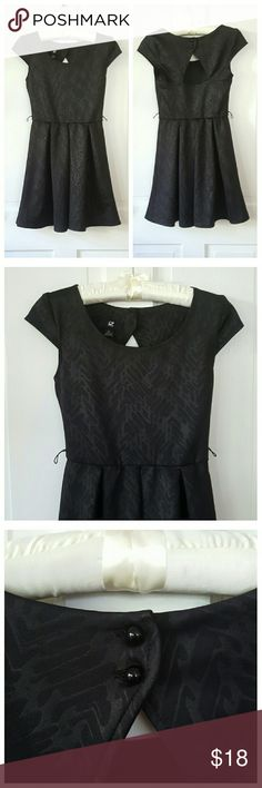 Iz Byer Black Jacquard Dress Iz Byer Black Jacquard Dress with keyhole back and 2 button closure. Has loops for belt, not included. Iz Byer Dresses Mini