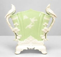 English Victorian accessories urn/vase porcelain