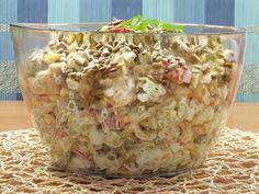 Przepyszna, sycąca i aromatyczna sałatka z pięknie prezentującymi się w misce makaronikami - ślimaczkami ;) Oprócz makaronu, w sałatce znajdziemy jeszcze chrupiącą czerwoną paprykę, cebulę, sycące jajka, groszek, no i duuużo czosnku :) Przepis na sałatka czosnkowa z makaronem tortellini. Tortellini, Cooking Time, Potato Salad, Food And Drink, Vegetarian, Healthy Recipes, Meals, Dishes, Breakfast