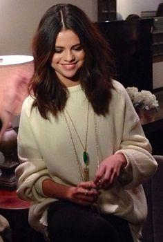 Selena Gomez wearing the Rayne Necklace #KendraScott #CelebrityFashion