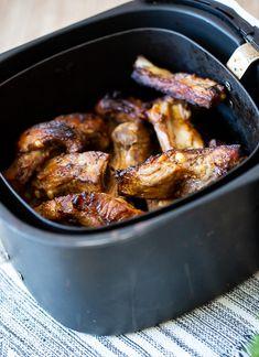 Como fazer costelinha na airfryer - Cozinha a dois Asa, Air Fryer Recipes, Fries, Pork, Chicken, Roast Beef Sandwiches, Electric Air Fryer, Deep Fryer Recipes, Meat Recipes