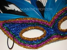 A Mardi Gras mask craft. This DIY Mardi Gras Mask is festive and fun to make. Diy Carnival, Carnival Masks, Mardi Gras Costumes, Diy Costumes, Mardi Gras Centerpieces, Masquerade Theme, Crafts For Seniors, Mardi Gras Party, Art N Craft