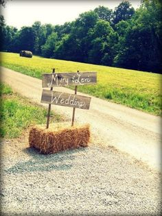 Rustic Wedding Small to big rustic examples to create a most memorable event. rustic chic wedding ideas hay bales chic wedding example reference 5645568876 posted on 20190127 Rustic Wedding Signs, Farm Wedding, Chic Wedding, Perfect Wedding, Dream Wedding, Wedding Ideas, Trendy Wedding, Hay Bail Wedding, Wedding Hay Bales