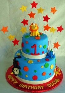 love the stars on this cake, and the top tier could be the smash cake