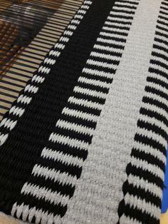 Inkle Loom, Loom Weaving, Tapestry Weaving, Hand Weaving, Home Textile, Textile Design, Textiles, Weaving Patterns, T Shirt Yarn