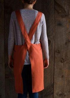 Cross Back Apron   Purl Soho Vintage Apron Pattern, Apron Pattern Free, Sewing Patterns Free, Free Sewing, Aprons Vintage, Clothing Patterns, Apron Patterns, Retro Apron, Vintage Sewing