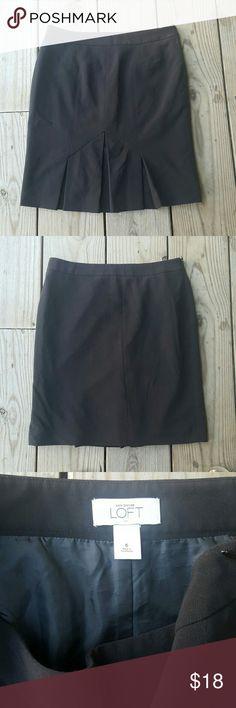 "Ann Taylor LOFT skirt Poly/rayon/spandex blend, lined, size 6, 22"" length LOFT Skirts Midi"