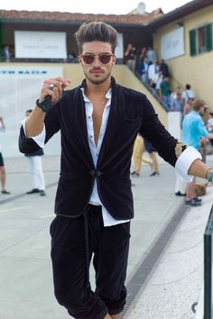 Men's casual style | #PittiUomo #StreetStyle #mensfashion June 2014 | Mariano Di Vaio