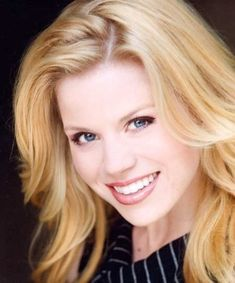 Megan Hilty. (Known for being Glinda on Broadway, and Ivy on SMASH.) Wow, what a voice!