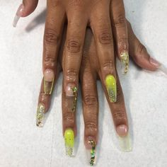 neon-green-glass-encapsulation 💚for my boo I haven't seen since high school! Thank you for stopping by 💕 Foil Nails, Nail Trends, Nail Tech, Neon Green, Gel Polish, Nailart, High School, Watch, Glass