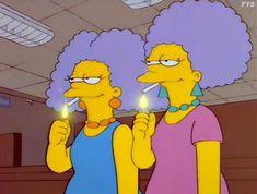 Resultado de imagen de personajes simpsons selma patty smoking