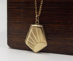 Art Deco Gold Locket Necklace | 9ct Gold Back And Front Sunburst Locket Pendant…