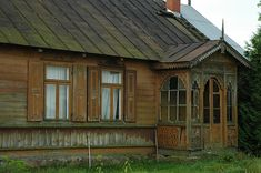 kurpie białe Cottages, Poland, Roots, Construction, Cabin, Street, House Styles, Home Decor, Room Decor