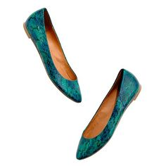 The Sidewalk Skimmer in Snake Print  $125.00  Item# 14939  Embossed leather upper.  Leather lining.  Man-made sole.  Import.