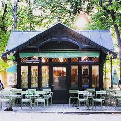Pavillon de la Fontaine tucked away in the #jardinduluxemburg So excited to see this cute #cafe amongst the gardens in Paris  #april #spring #pavillondelafontaine #paris #saintgermain #saintgermaindesprès #france #garden #jardin #restaurant #restaurantparis #cafeparis #amongstthetrees #picturesque #melbournelifelovetravel @jardin_du_luxembourg