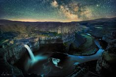 Palouse Falls - Leif Erik Smith. A little different view of the falls under the Milky Way.
