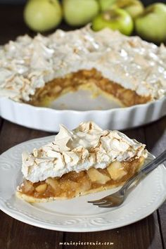 Szarlotka z bezową pianką / Apple & Meringue Pie Polish Desserts, Polish Recipes, Sweet Recipes, Cake Recipes, Dessert Recipes, Homemade Pastries, Good Food, Yummy Food, No Bake Cake