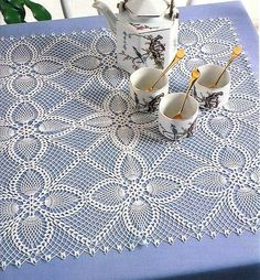 "Diy Crafts - Square motifs for napkin and tablecloth ""Kira scheme crochet: Scheme crochet no."", ""Square pineapples motives for napkin and tab Crochet Bedspread Pattern, Crochet Doily Diagram, Crochet Square Patterns, Crochet Motifs, Crochet Round, Doily Patterns, Crochet Squares, Thread Crochet, Filet Crochet"