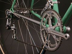 Velo Vintage, Vintage Bikes, Ferrari Mondial, Paint Bike, Classic Road Bike, Old Bicycle, Ebay Auction, Stitching Leather, Cycling