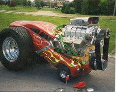 30 of the most unique and bizarre hot rods on the road. You won& believe some of these hot rod modifications. See all 30 of these awesome hot rod. Rat Rods, Weird Cars, Cool Cars, Vw Beach, Pedal Cars, Us Cars, Cars Land, Small Cars, Car Humor