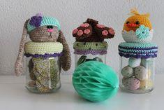 Hallo allemaal,   Ik heb 3 nieuwe patroontjes ontworpen voor de Pasen, het Dekselse Paashaasje, Paaskuikentje en Hop potje. Om de kosten voo...