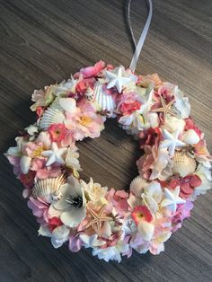 Wreath Ideas, Summer Crafts, Door Hangers, Craft Gifts, Centerpieces, Floral Wreath, Cool Stuff, Beach, Plants