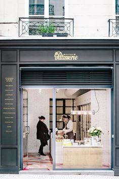 Le premier concept pâtisserie de Paris - The New York Times - love - Patisserie Pastry Shop Interior, Bakery Interior, Shop Interior Design, Cake Shop Interior, Cake Shop Design, Bakery Design, Bakery Store, Bakery Cafe, Paris Bakery
