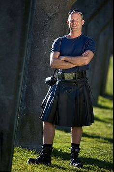 American Irish: Muscle In Kilt Kilt Skirt, Man Skirt, Tartan Kilt, Plaid, Leather Kilt, Scottish Man, Men In Kilts, Sexy Men, Hot Men