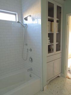 29 Trendy ideas for bathroom tub tile surround built ins Bathroom Linen Closet, Bathroom Linen Cabinet, Linen Cabinets, Bathroom Cabinets, Bathroom Storage, Small Bathroom, Linen Closets, Storage Cabinets, Bathroom Organization