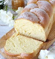 Brioche with milk- Pan brioche al latte Milk brioche – the softest and the softest you have ever tasted - Sweet Recipes, Cake Recipes, Dessert Recipes, Confort Food, Delicious Desserts, Yummy Food, Sweet Cakes, Sweet Bread, I Love Food