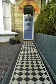 LM - this is how edging, path and slatted panel would sit together on side adjacent to no 9