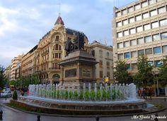 http://fotosmegustagranada.blogspot.com.es/2016/05/centro-ciudad-plaza-isabel-la-catolica.html