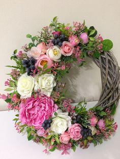 Wreath Crafts, Diy Wreath, Flower Crafts, Door Wreaths, Easter Wreaths, Holiday Wreaths, Deco Floral, Spring Crafts, Summer Wreath