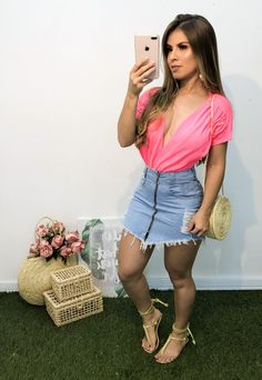 Body neon com saia jeans Girl Fashion, Fashion Outfits, Sandals Outfit, Casual Looks, Denim Skirt, Ideias Fashion, Neon, Casual Outfits, My Style