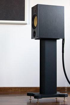 Bowers & Wilkins 685 - Too Loud Hifi Audio, Stereo Speakers, Speaker Box Design, Audio Design, Audio Room, Speaker Stands, High End Audio, Loudspeaker, Audio System