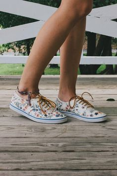 Floral Vans Restyle DIY - Use iron on transfers on plain white canvas shoes for a fresh new summer look!
