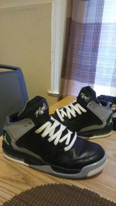 Customized these Flight origin's in the Oregon Ducks colorway.. (in honor of the away 4s)