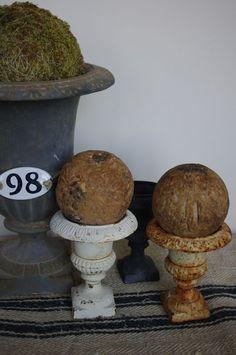 petite urns ~