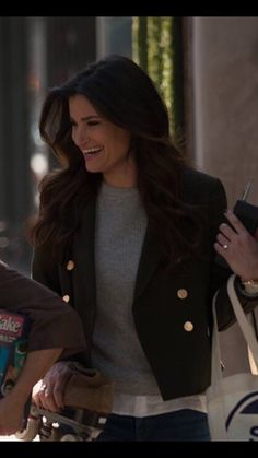 Can we talk about how they bought the walkie talkies? Wicked Musical, Musical Theatre Broadway, Disney Queens, Middle Aged Women, Idina Menzel, Queen Elsa, Hello Beautiful, Celebs, Celebrities